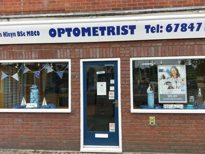 simon kleyn optometrist opticians frinton on sea near colchester